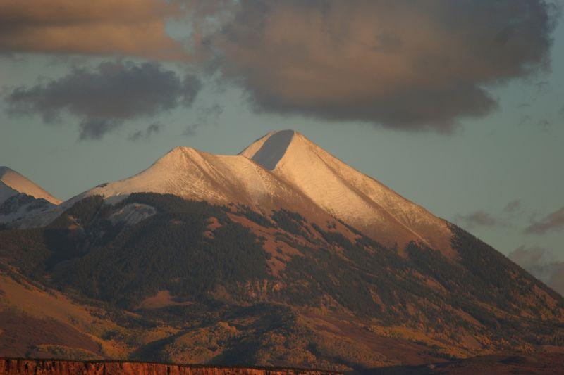 Utah, Moab, Hell's Revenge, La Sal Mountains, Mount Peale