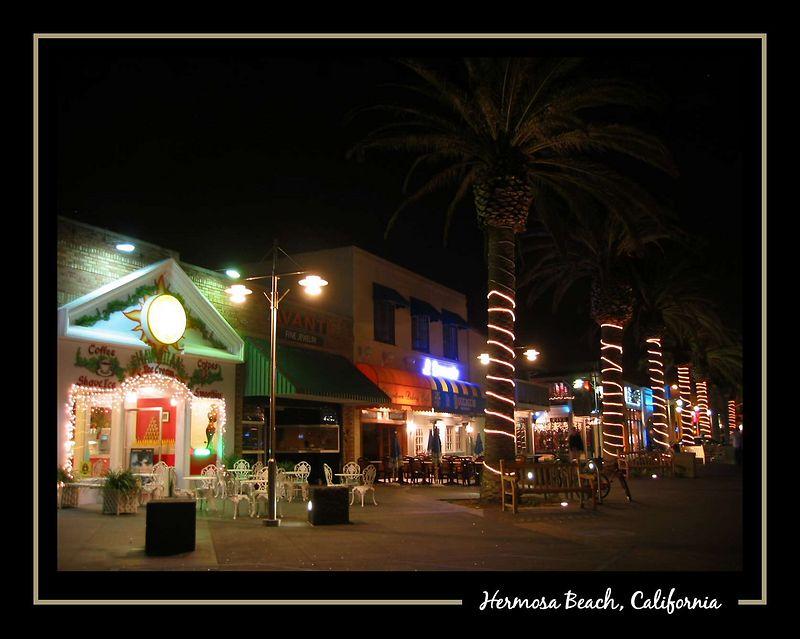 Hermosa Beach entertainment area nt [borders, text]