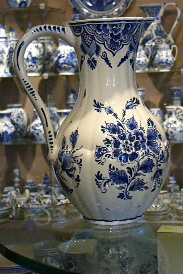 Of course, Delft is famous for its pottery. Here's the showroom for a factory Lori and I visited.