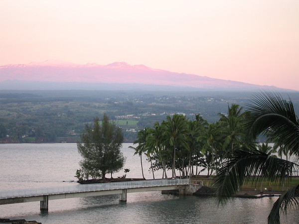 We woke our first morning to find Mauna Kea aglow with the rising sun. (Well, we'd actually already been awake for 2 hours!)