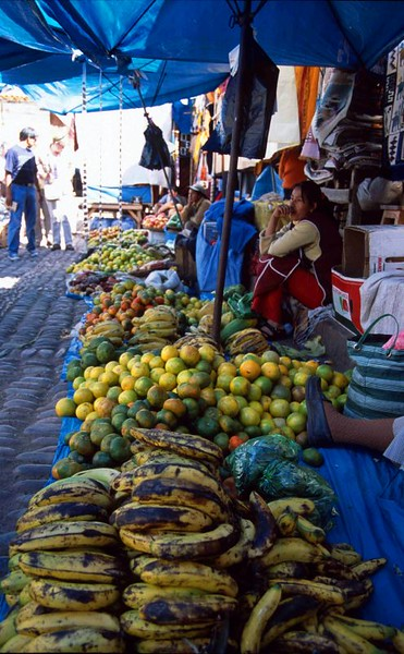 market fruit at Pisac