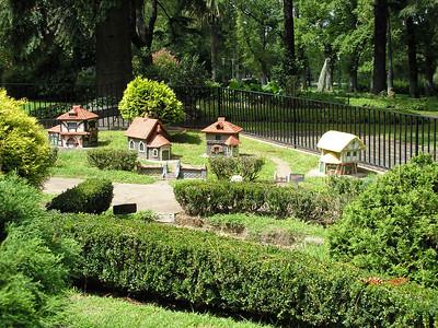 Model Tudor Village - Fitzroy Gardens