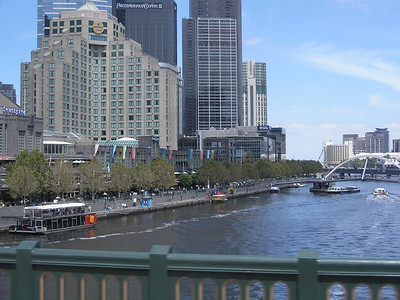 Southbank Promenade from Federation Square bridge