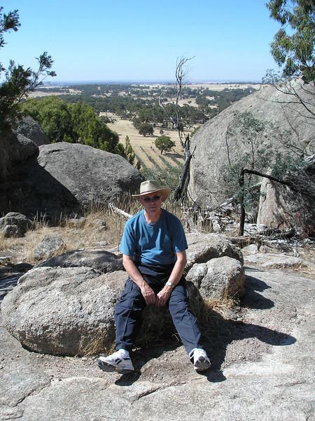 Hiking Budda - Black Hill Reserve