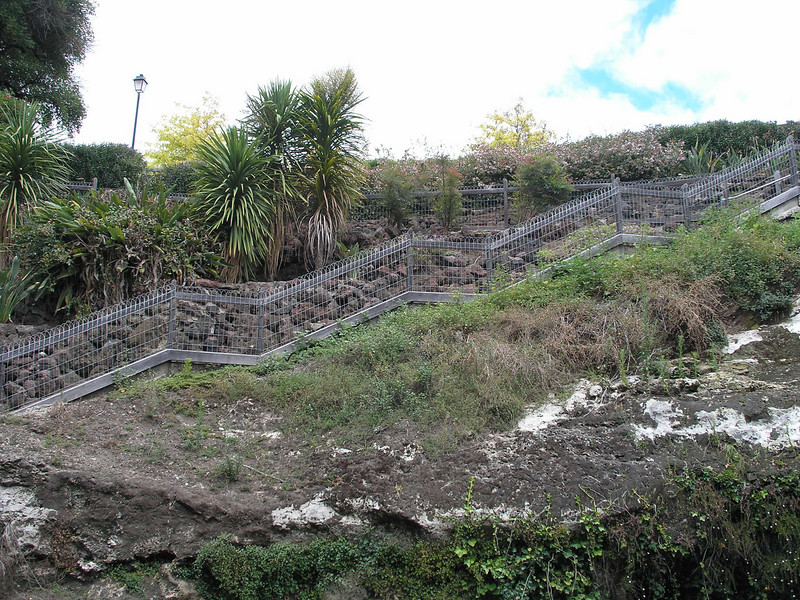 Walkway up from sink hole - Mount Gambier