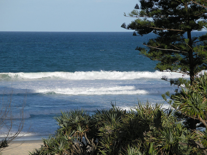 Surf of Coral Sea - Surfers Paradise