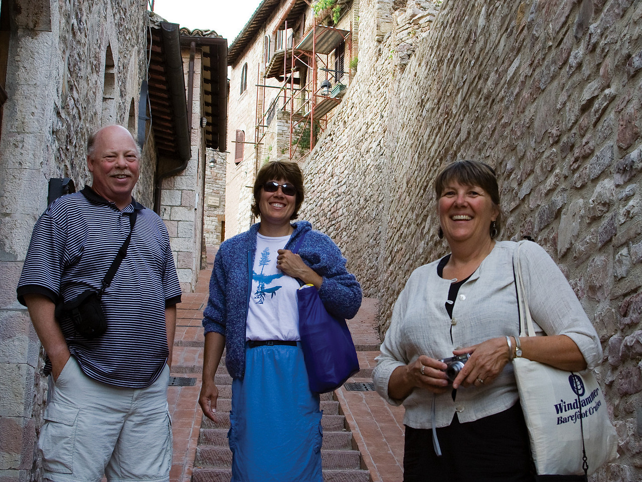 Stair climbers in Assisi