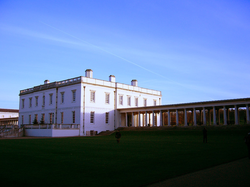 24 - queen's house
