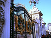 04 - buckingham  palace gate