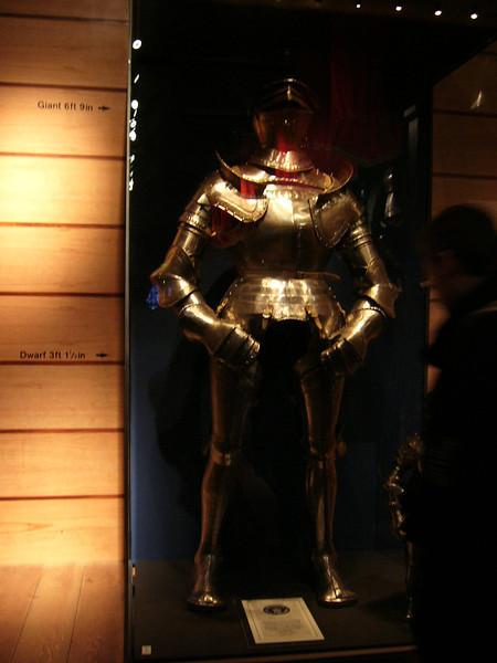 060 - big suit