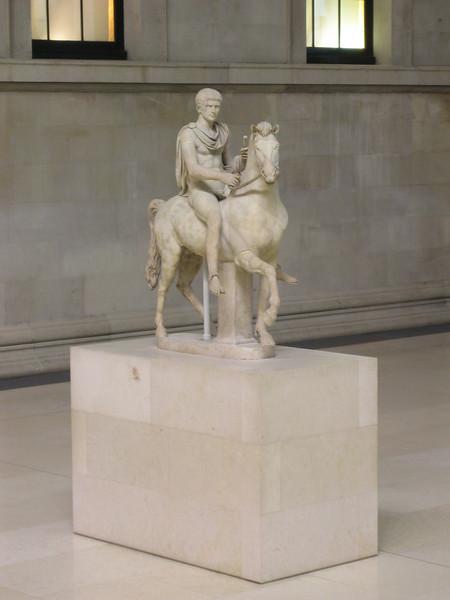 36 - horse statue