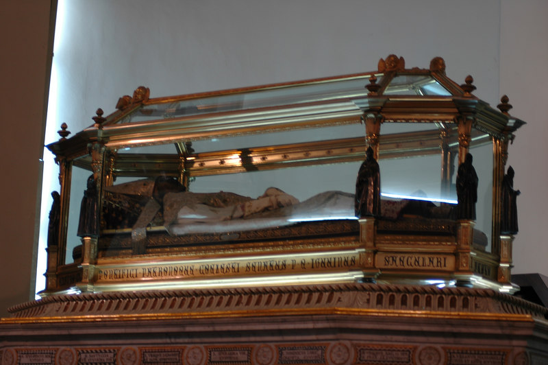 This is the corpse of St. Ubaldo.