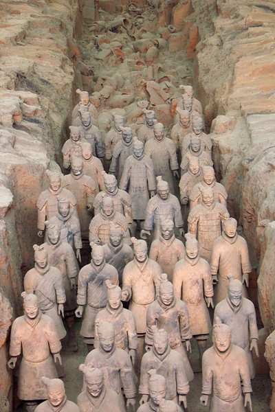 7,000 life-size statues of soldiers, archers, and horses. Many of them have now been restored and are on public view.