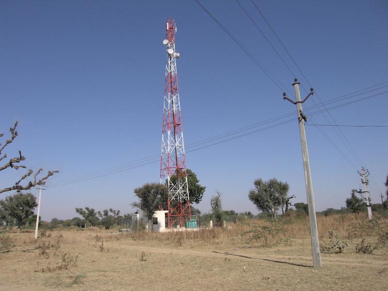 Standaard mobieltjes mast. Massaal aanwezig en in aanbouw.