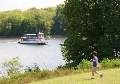 "Mississippi riverboat ""LaCrosse Queen."""