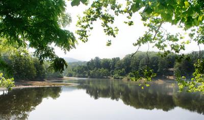 7275 Beaver Lake