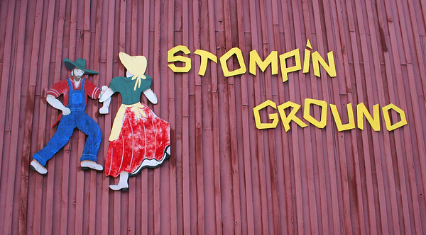 7498 Stompin Ground