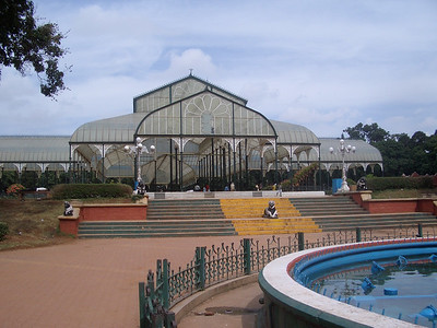 """The """"glass house"""" at the Lalbagh botanical garden. India. Bangalore."""