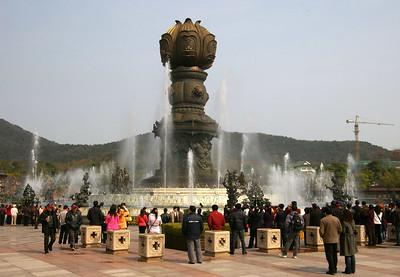 Wuxi Lingshan Buddha 06, 03-17-07