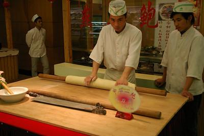 Wuxi seafood restaurant making noodles 1, 03-19-07