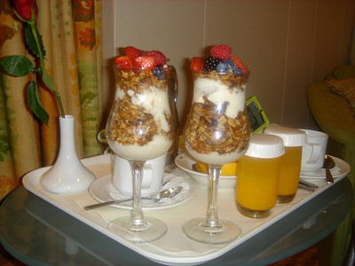 Now that's a Granola Berry Parfait!