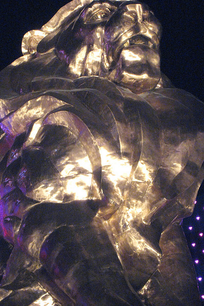 MGM Grand Statue.