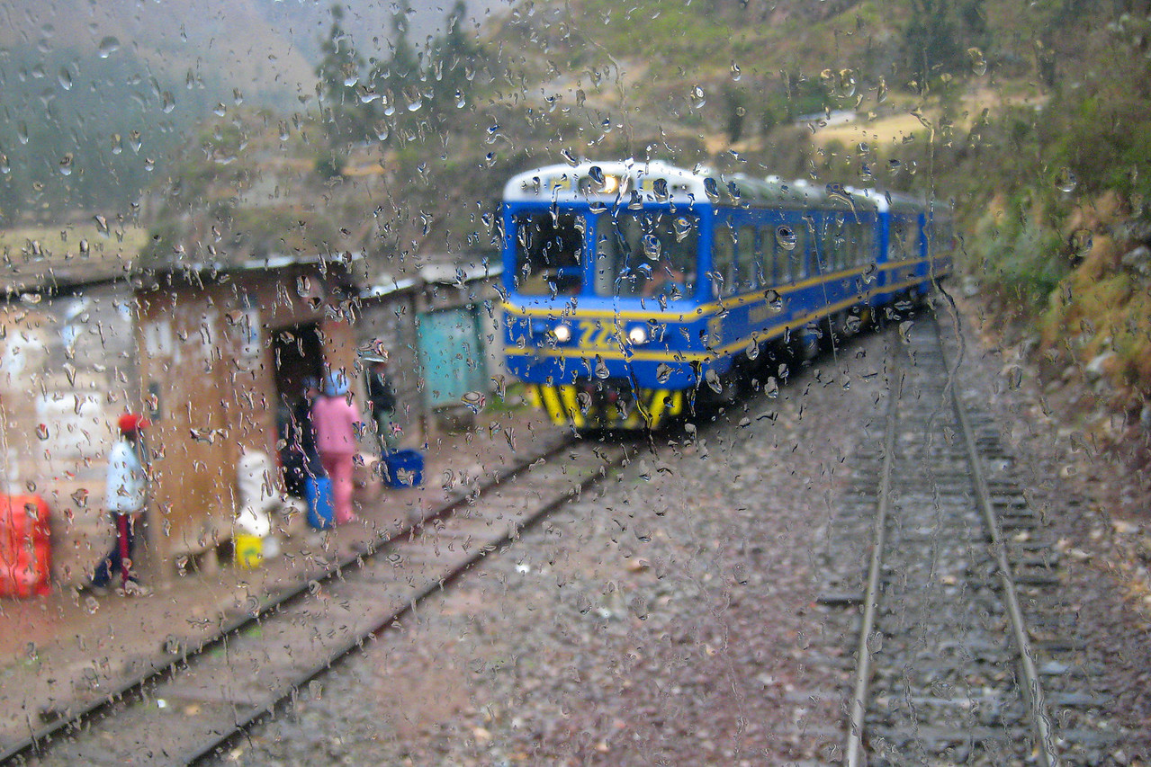 it was a rainy day as we took the train to the best known Peruvian destination...