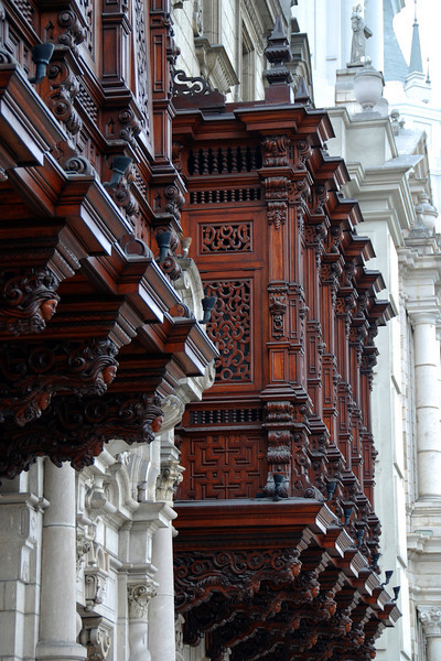 The home of the Archbishop of Lima is famous for these Moorish-style carved balconies.
