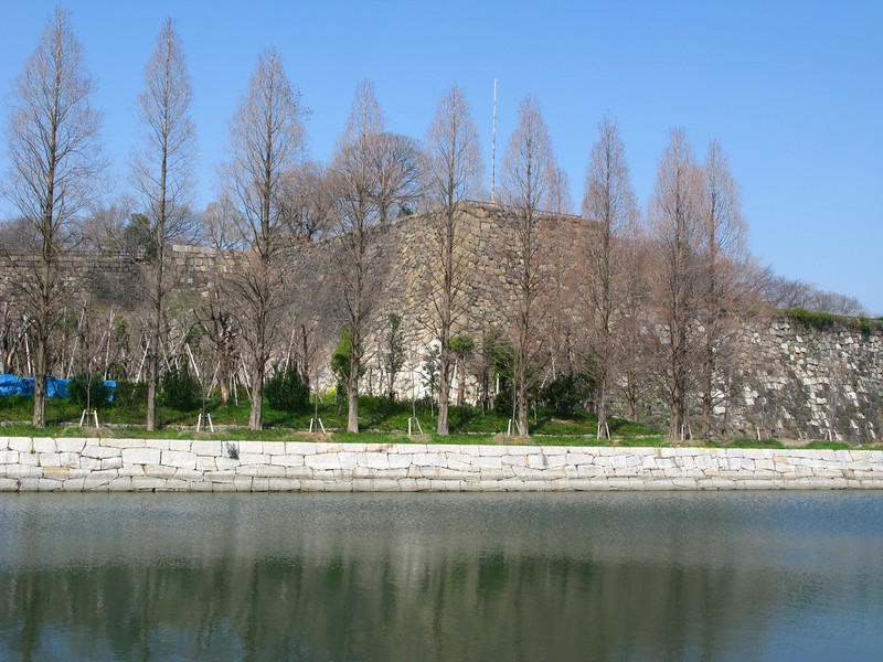 09 - osaka castle walls