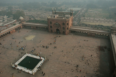 the Jama Masjid mosque and its courtyard can fit 25,000 for Friday prayer. [Delhi]