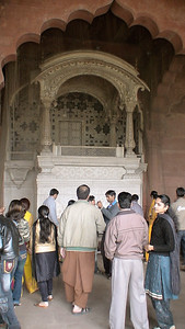 Red Fort: a marble throne for Shah Jahan. [Delhi]