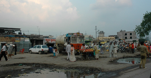 Streets of Kanpur.