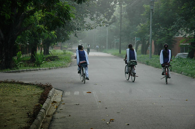 IIT Kanpur - schoolgirls off to school.