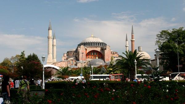 IstanbulHagiaSophia16x9.4504