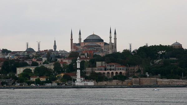 IstanbulHagiaSophia16x9.4378