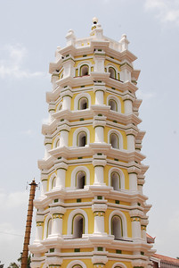 Hindu Temple reminds us of Leaning Tower of Pisa