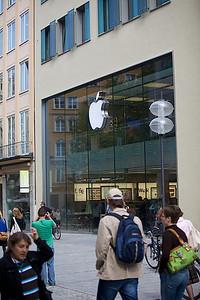 Apple Store In Munchen.