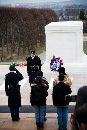Punahou students lay a wreath at the Tomb of the Unknown Soldier at Arlington National Cemetery in Arlington, Virginia on January 18, 2009.
