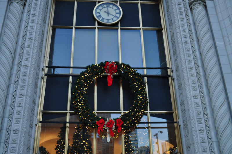 Gorgeous Christmas wreath on the Magnificent Mile - outside Nordstroms.  Temperature was a balmy 8 degrees.  Brrrrrrr!!