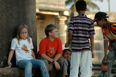Chennakesava temple: local kids like to meet our kids; later they all played tag.