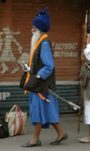 Delhi: blurry, but a stunning outfit for man on the street.