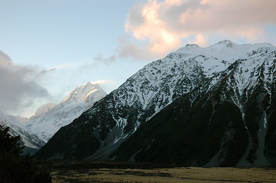Sunset on Aoraki (left) and nearby ridgeline (right). New Zealand south island.