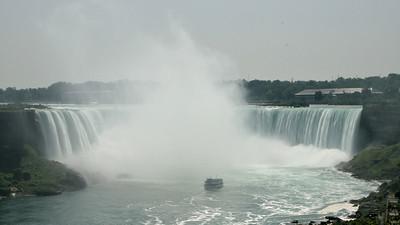 Horseshoe Falls 16x9