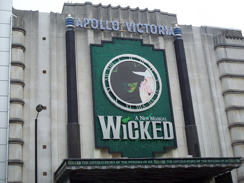 Picture from the outside of the Apollo Theatre