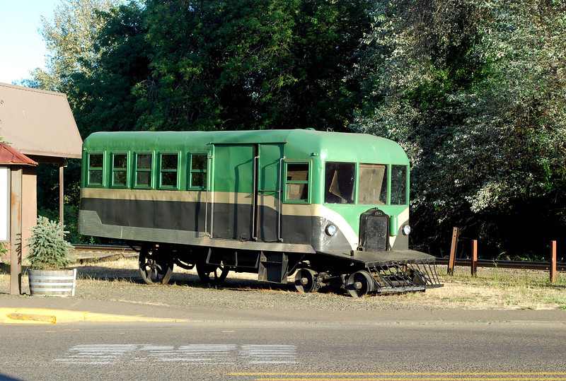 2010-07-19 OR White railcar ft rt