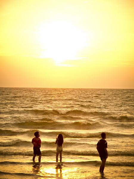 Sunset at Tanjung Aru, Sabah.