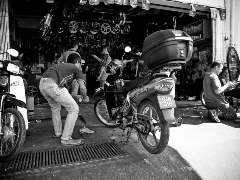 Made a emergency stop in Tenom after having problems with the front tyre.