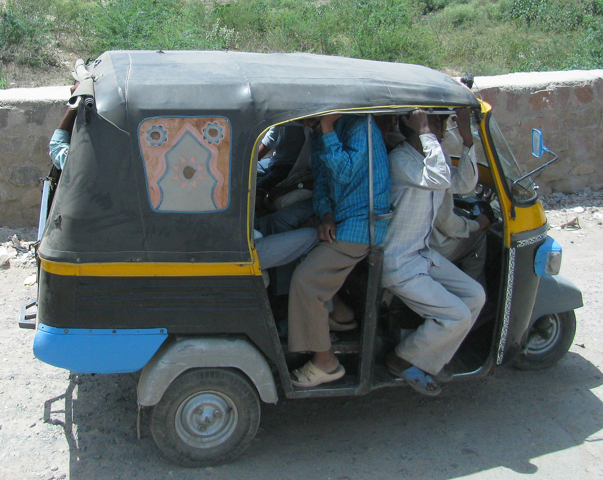 India Transportation: Taxi cabs