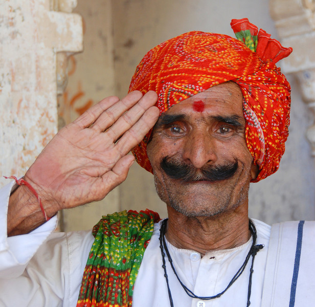 Faces of India: Hotel welcomer