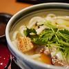 在心齋橋大丸美食街一家「饂飩」吃的四國雞肉蔬菜烏龍麵,普普